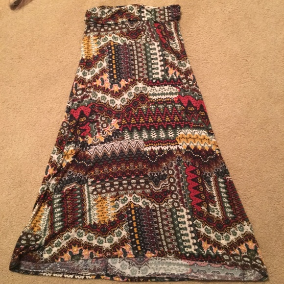 Love Culture Dresses & Skirts - Light weight patterned maxi skirt